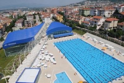 Konak Olimpik Yüzme Havuzu