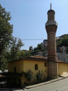 İzzettin Bey Pınarbaşı Camii